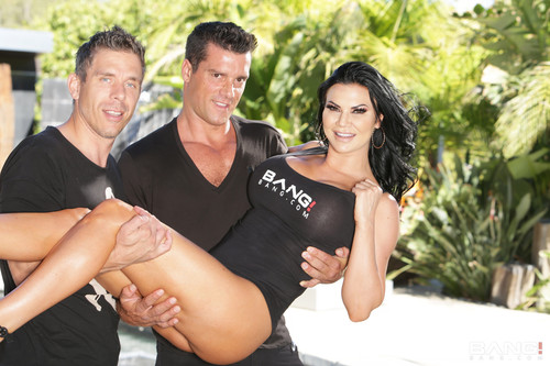Jasmine Jae Gets Her Asshole And Pussy Rammed