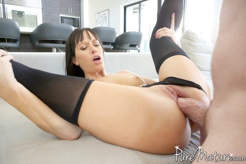 Alana Cruise – Home From The Club