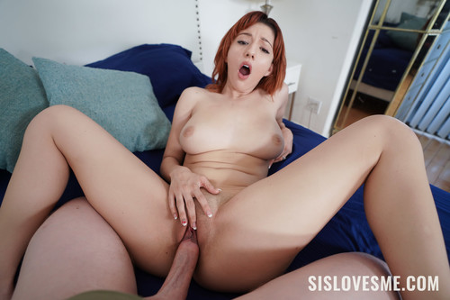 Keely Rose – Behind My Stepbrother's Towel